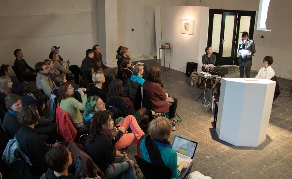 Amazonen, Vortrag Melissa Logan/Nina Power, 2014
