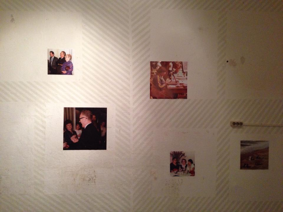 3 Jana Wieczorek, Album, C-Prints, Wandfarbe, 2015