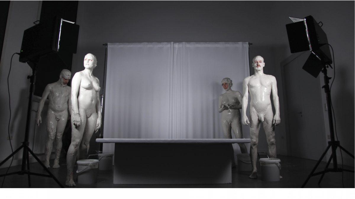4 Paula Mierzowsky, Don't Worry, Performance, 2014
