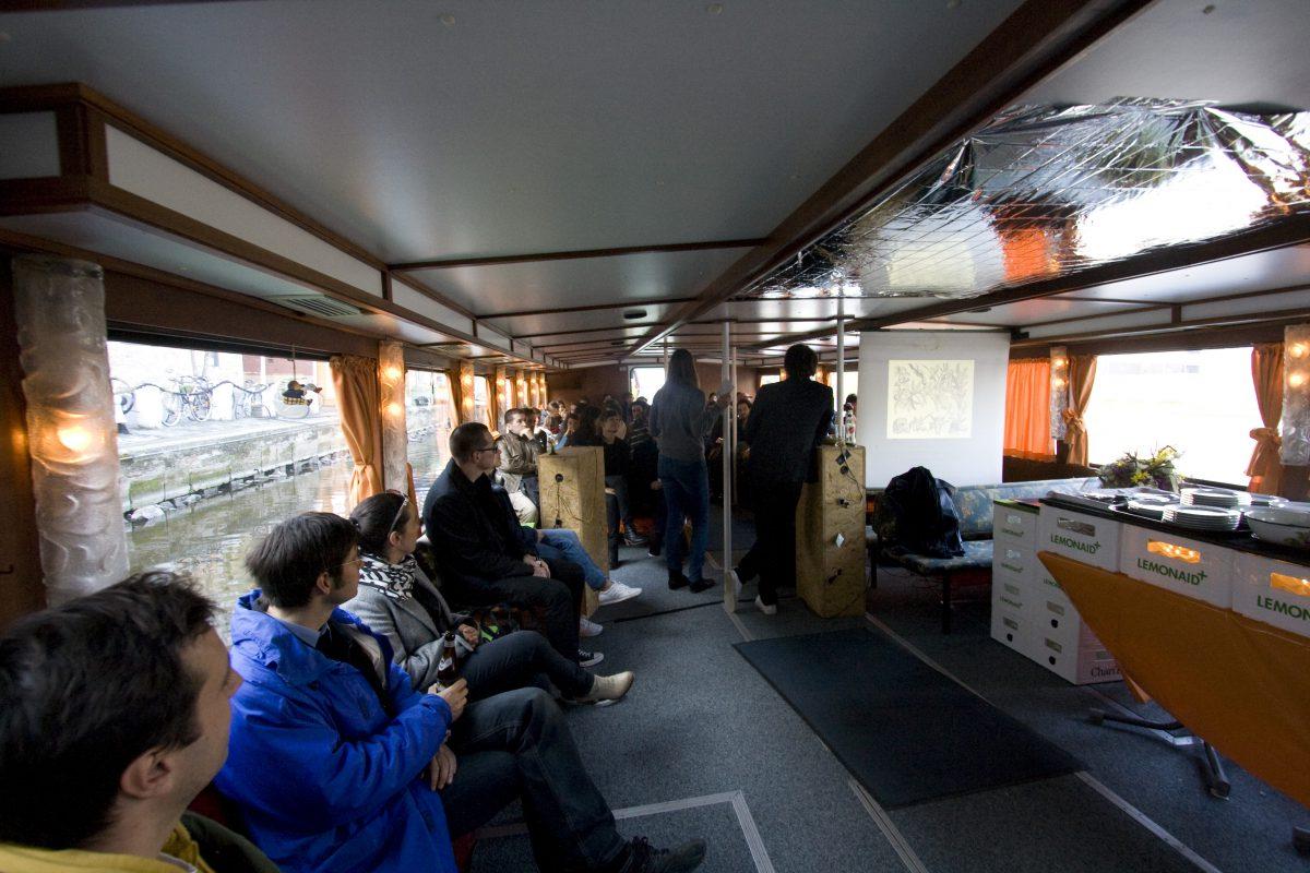 3 Generous Structure bei Im-Port//Ex-Port, 2012