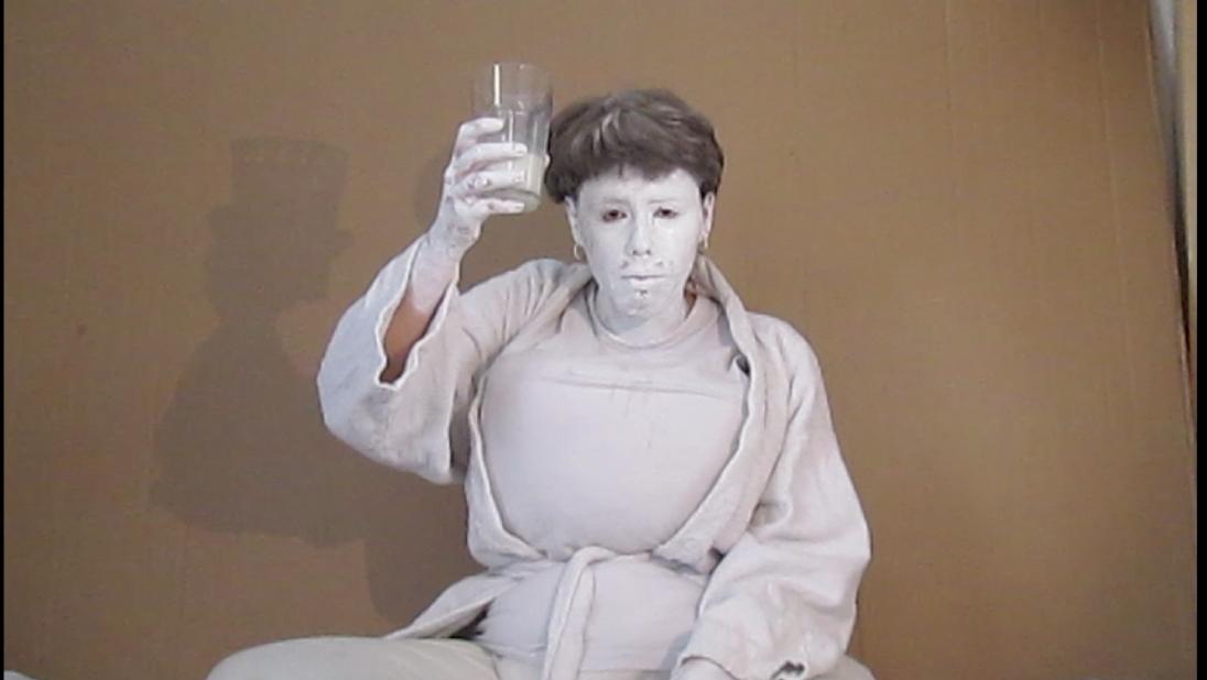 Videostill aus The Milk Man